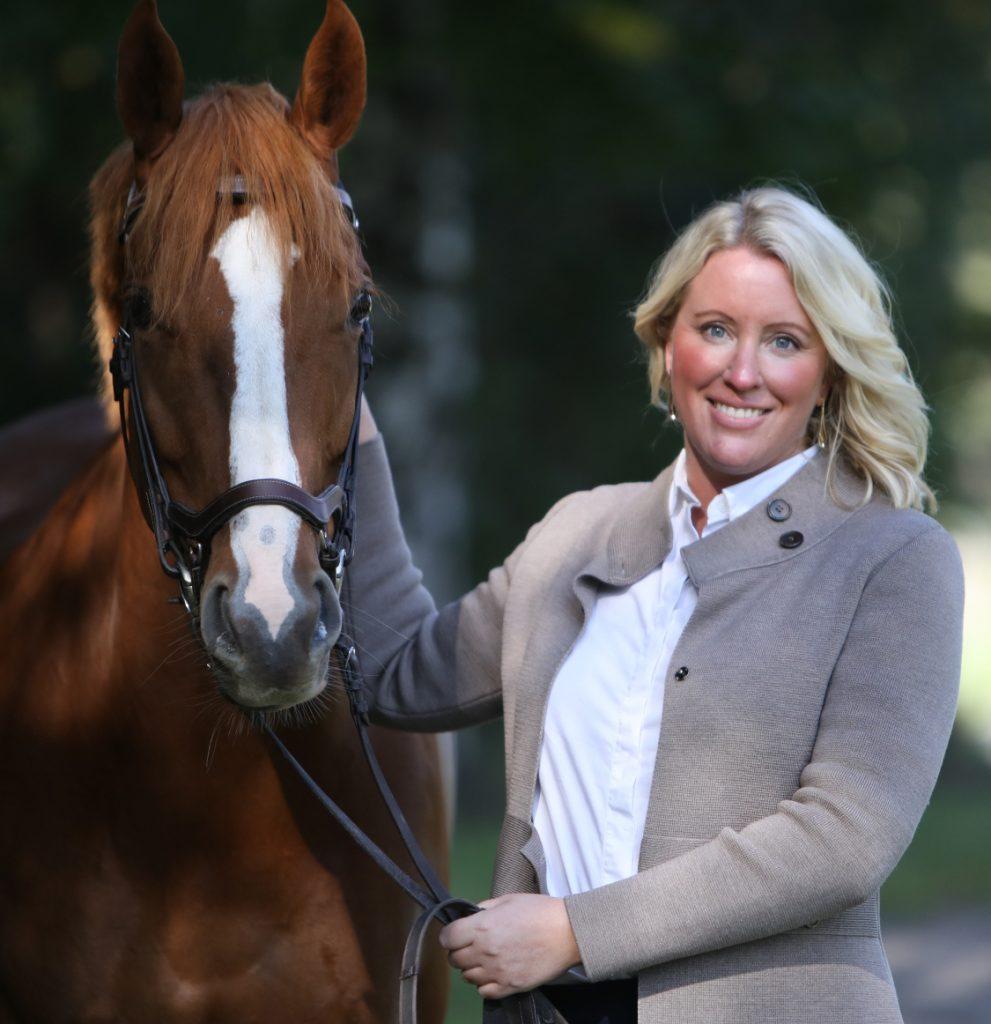 Jenny_Stråhle_Ridesum_med_häst